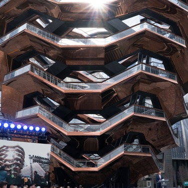 2019-Hudson-Yards-The-Vessel-04899-375x375